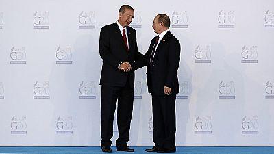 """""""Russland betreibt keine Vogel-Strauß-Politik"""" - Russlands EU-Botschafter Tschischow über die Aktionen seines Landes in Syrien -"""