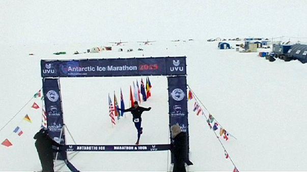ماراطون القطب الجنوبي: بول ويب و سيلفانا كاميليو يفوزان بالسباق البارد