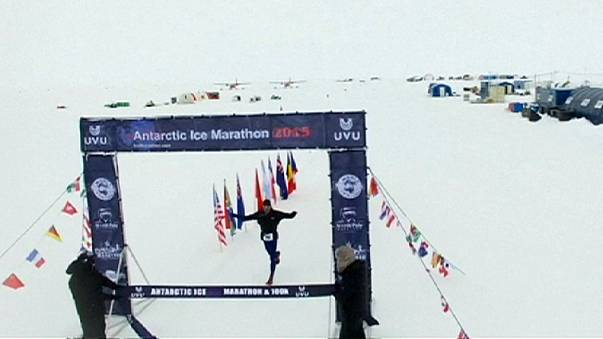 Antarctic Ice Marathon: Webb e Camelio trionfano tra i ghiacci