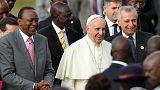 El Papa Francisco reza por la paz mundial en Nairobi