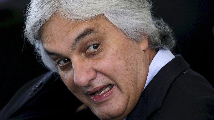 Бразилия: по делу о коррупции арестован сенатор, впервые в истории страны
