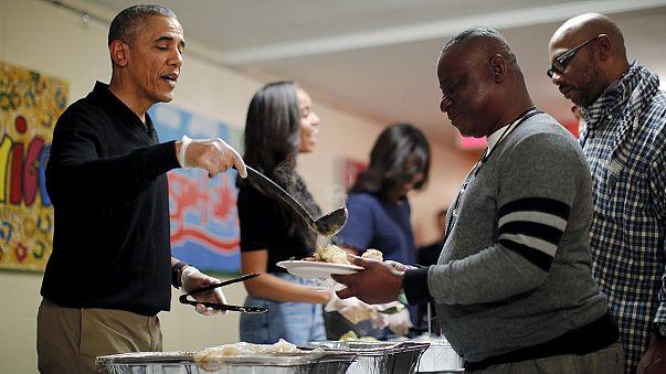 """Obama alla Festa del Ringraziamento: """"Padri pellegrini come profughi siriani"""""""