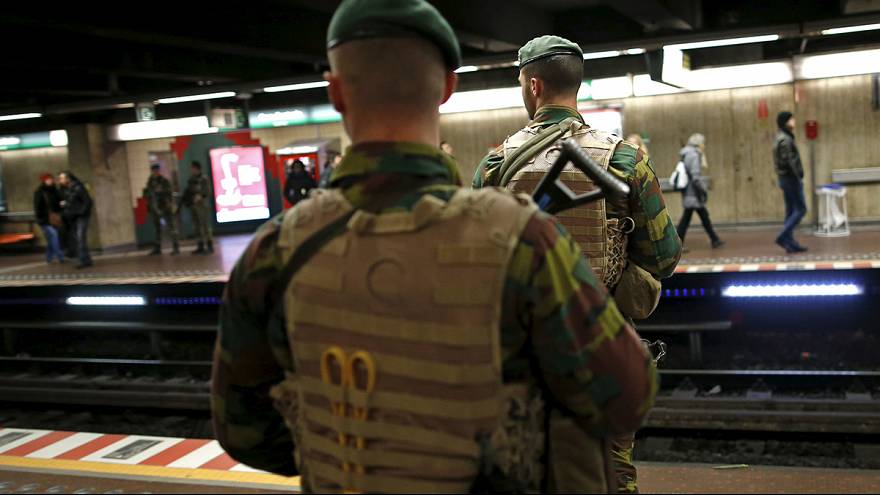 Güvenlik alarmı seviyesini düşüren Brüksel'de terör riski devam ediyor