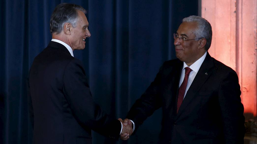 Portugal's new government sworn in
