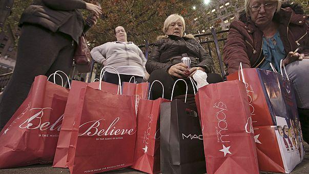 """""""Черная пятница"""": день безудержного шоппинга в США"""