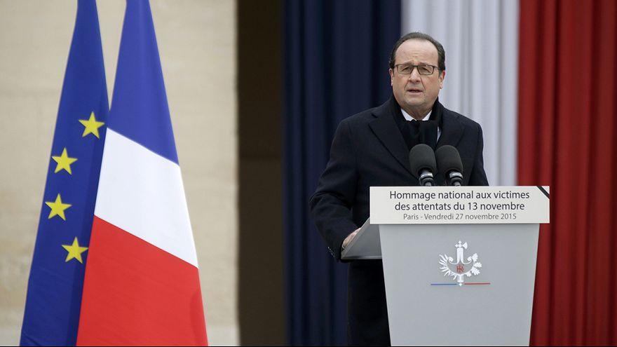 La France rend hommage aux victimes des attentats de Paris
