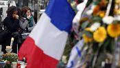 La France rend un hommage solennel aux 130 victimes des attaques de Paris