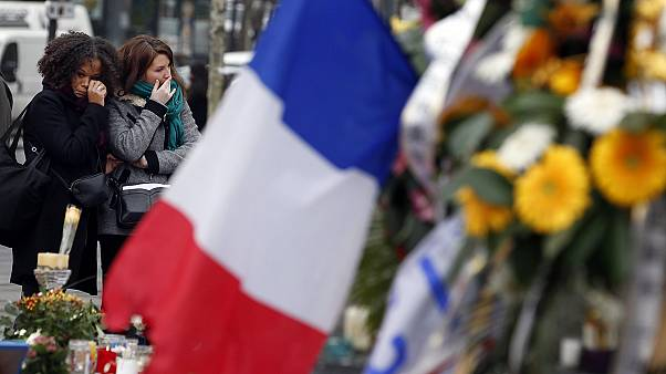 Paris saldırısında hayatını kaybedenler anıldı