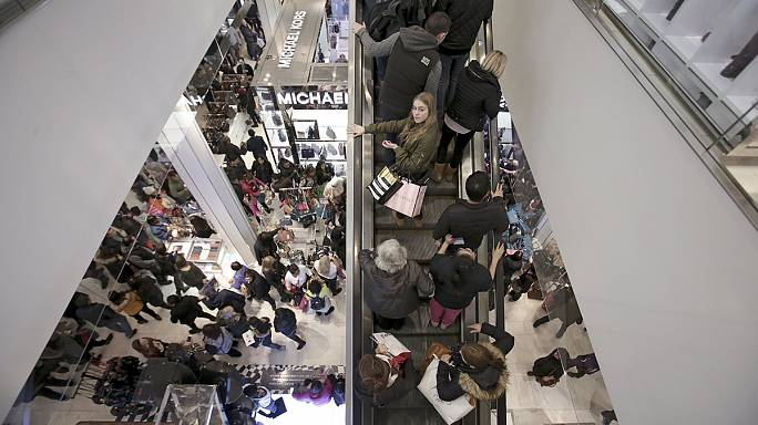 More shoppers go online for Black Friday bargains