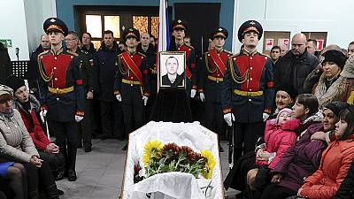 Enterrement d'un Marine russe mort en tentant de sauver les pilotes du jet abattu par la Turquie