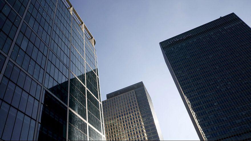 Ralentización de la economía británica, que en el tercer trimestre creció un 0,5%