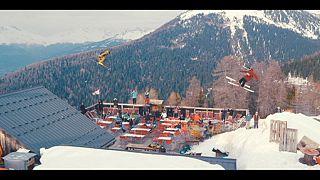 Εντυπωσιακές εικόνες freestyle ski από ταινία μικρού μήκους στις Άλπεις