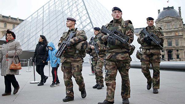 Anschläge von Paris: Großfahndung nach Mohamed Abrini