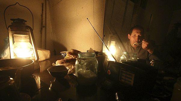 La península de Crimea sigue paralizada por el sabotaje que cortó su suministro eléctrico