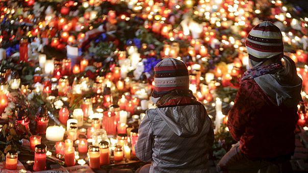Франция: государство воспитает детей тех, кто погиб от рук террористов