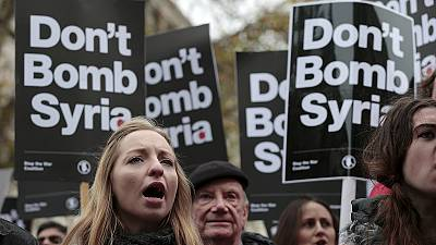 'Don't bomb Syria' say demonstrators in London and Madrid
