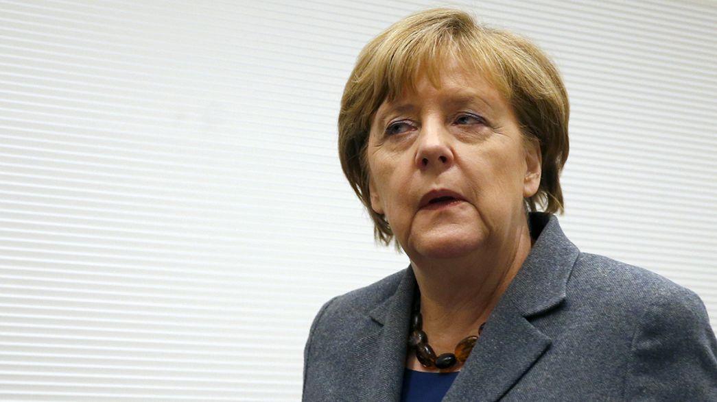 Los populistas alemanes de AfD piden la dimisión de Merkel por la crisis migratoria