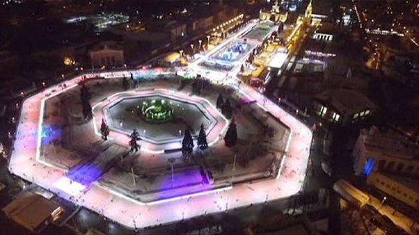 Ρωσία: Γιγαντιαίο παγοδρόμιο λειτουργεί πλέον στη Μόσχα