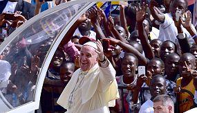 nocom: Francisco no Uganda