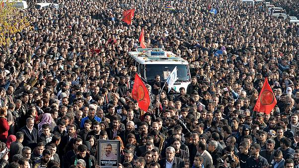 "Turchia, Diyarbakir dice addio a Tahir Elçi: ""Non ti dimenticheremo"""