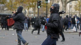 Paris'te İklim Konferansı protestosu