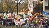 Centenas de milhares desfilam pelo clima nas principais capitais europeias