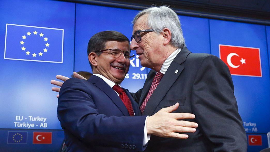 UE promete 3 mil milhões de euros à Turquia para apoiar gestão de fluxos migratórios