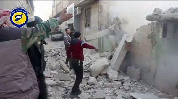 سوريا: الصواريخ والغارات الجوية تقتل 35 مدنيا في دوما وأريحا