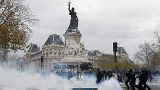 Париж: запрет не помешал столкновениям