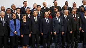 World leaders in Paris begin bid for breakthrough in climate talks