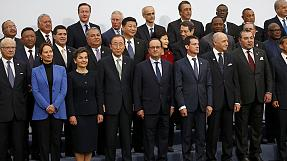 World leaders in Paris begin bid for breakthrough in climate talks