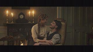 """الممثلة الشابة أغيناس دين تتألق في فيلم"""" أغنية غروب الشمس"""""""