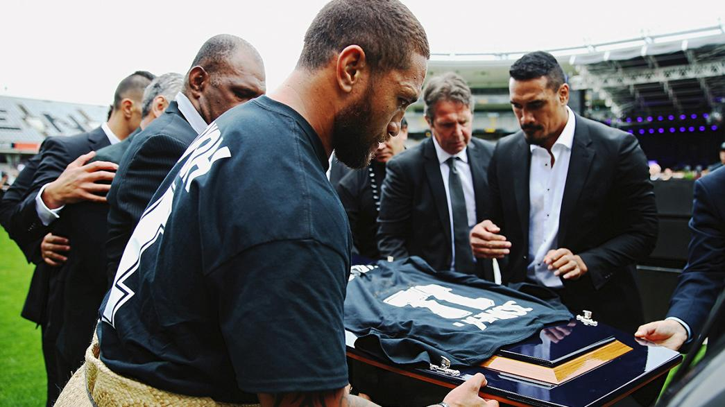Thousands gather at Eden Park for Lomu memorial