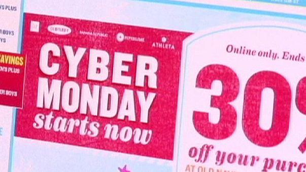 سايبر ماندي للتسوق عبر الإنترنت بعد الجمعة الأسود