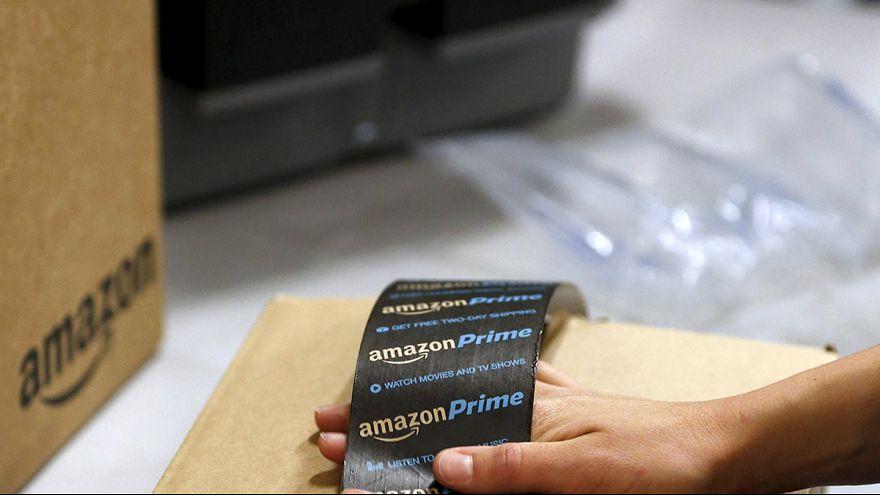 """Consegne dal cielo, Amazon mostra i droni del progetto """"Prime Air"""""""