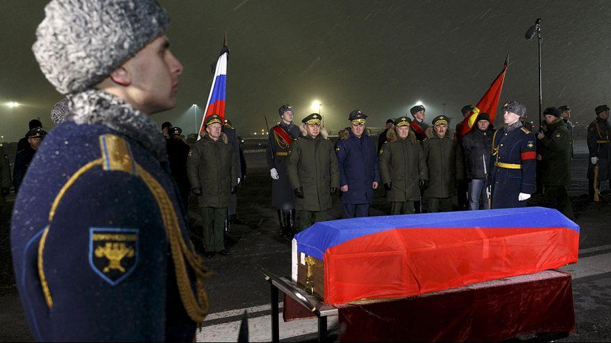 Guerra di dichiarazioni fra Ankara e Mosca sull'aereo abbattuto