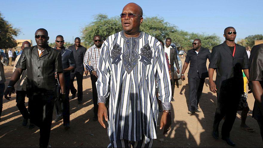 Burkina Faso'da ilk demokratik seçimi Kabore kazandı