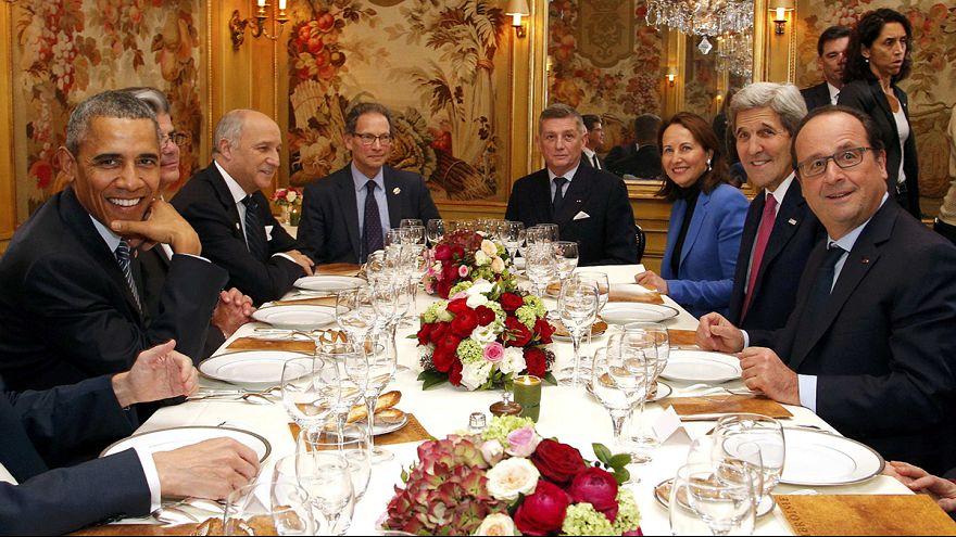 Hollande y Obama presumen de buena sintonía con una cena en un restaurante de tres estrellas