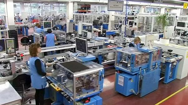 Ελλάδα- Ευρωζώνη: διαφορετικοί δρόμοι στην αγορά εργασίας