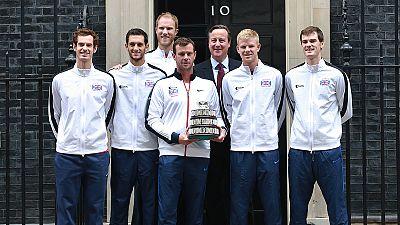 David Cameron recibe al equipo ganador de la Copa Davis