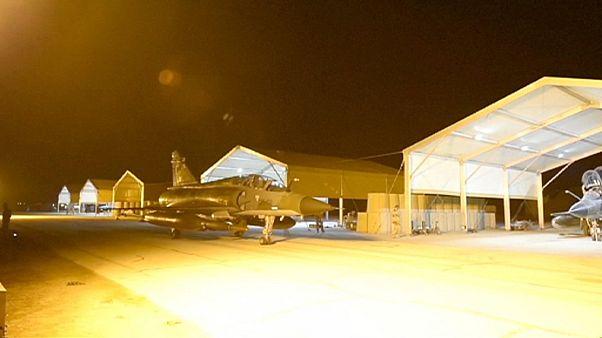 عملیات نظامی عراق در رمادی و فلوجه همزمان با ادامۀ بمباران مواضع داعش