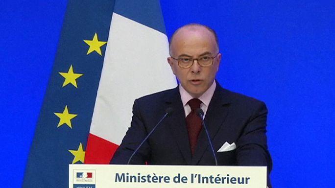Két hét alatt több mint kétezer házkutatás Franciaországban