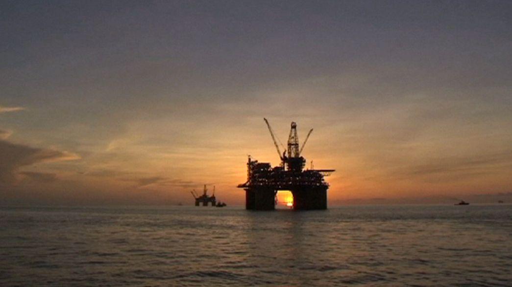 Redução da produção de petróleo em cima da mesa na reunião da OPEP