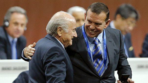 EE.UU. acusa de corrupción a 16 directivos de la FIFA