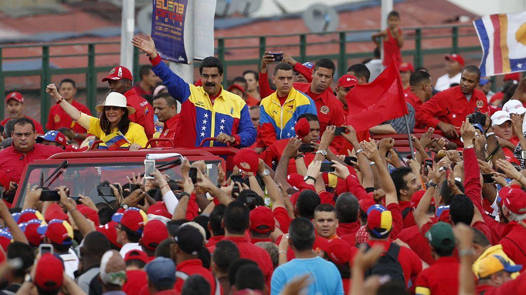 """Maduro insta a los venezolanos a elegir entre dos modelos: el chavista o el """"antipatria"""""""
