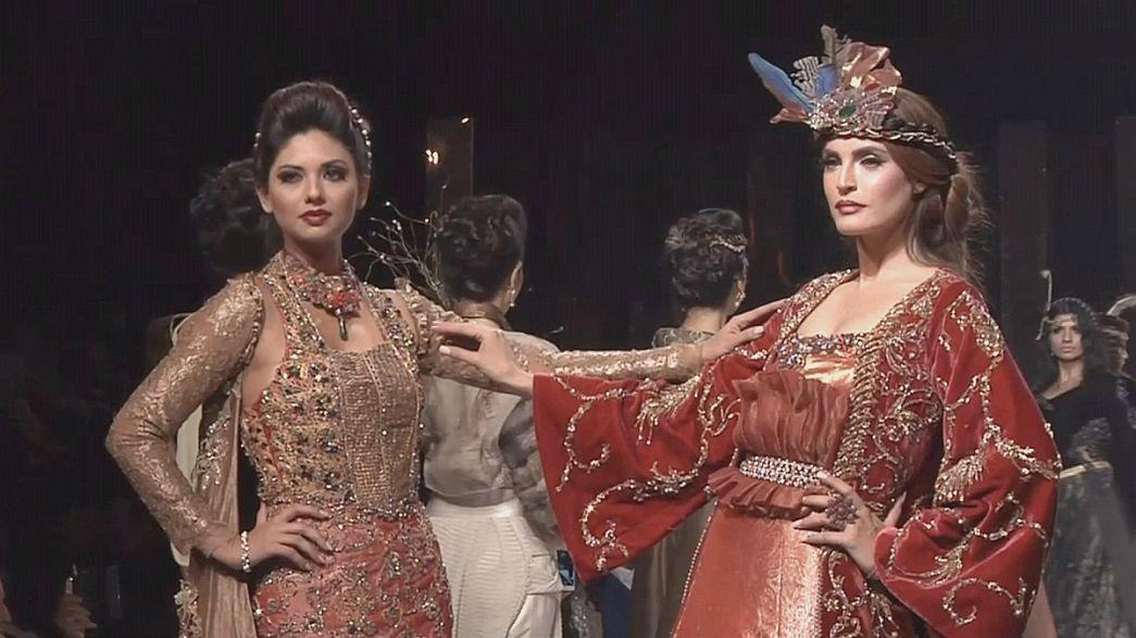 As propostas da moda paquistanesa em Karachi