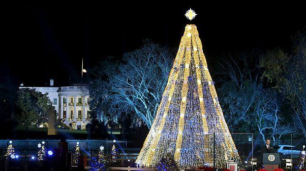 Obama allume l'arbre de Noël