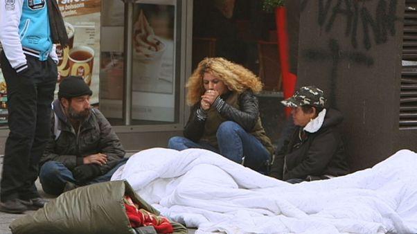 تصویری از فقر و وضعیت زنان و کودکان محروم در اروپا