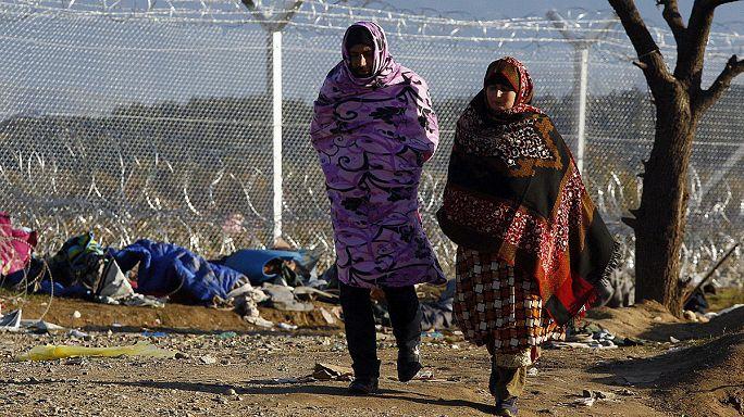 تقرير خاص بيورونيوز عن أزمة اللاجئين في اليونان، ومقابلة مع وزير الهجرة اليوناني يانيس موزالاس
