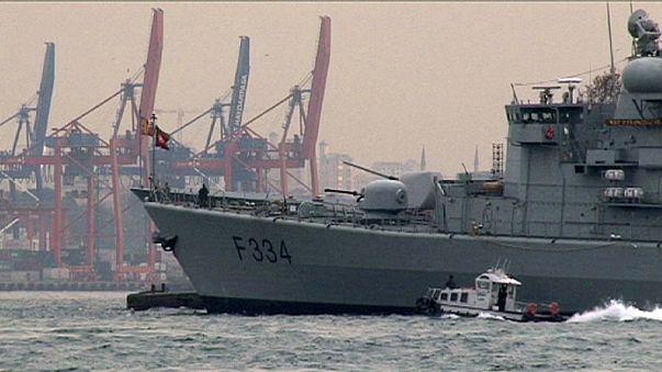 NATO schickt Schiffe in die Türkei